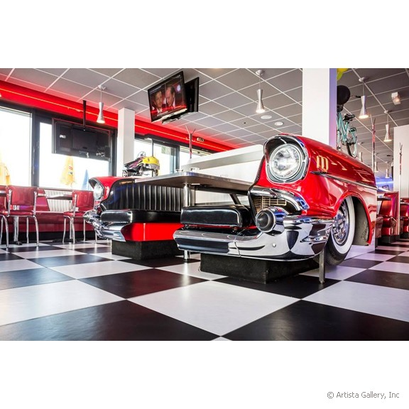 quarterback_american_house_restaurant_diner_car_booth_side_view